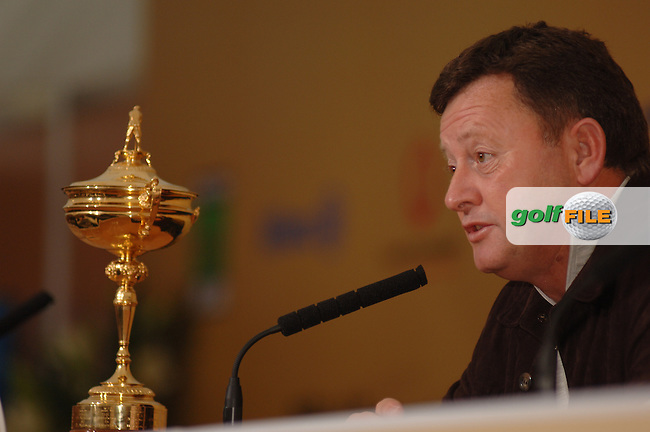 18th September, 2006. Dublin Ireland. Ryder Cup press Conference at the K club..European Ryder cup team captain Ian Woosnam gives a press conference at the above..Photo: Barry Cronin/ Newsfile..
