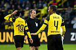 09.02.2019, Signal Iduna Park, Dortmund, GER, 1.FBL, Borussia Dortmund vs TSG 1899 Hoffenheim, DFL REGULATIONS PROHIBIT ANY USE OF PHOTOGRAPHS AS IMAGE SEQUENCES AND/OR QUASI-VIDEO<br /> <br /> im Bild | picture shows:<br /> Abdou Diallo (Borussia Dortmund #4) beruhigt seine Vorderleute,  <br /> <br /> Foto © nordphoto / Rauch