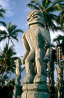 Ki'i wooden image of guard in the City of Refuge, Hawaii