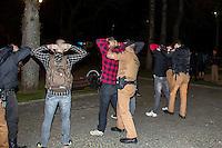 CURITIBA, PR, 23 DE AGOSTO DE 2013 – PROTESTO PELA DESMILITAÇÃO DA PM - Policia Militar fez abordagem aos participantes do protesto organizado pelo Black Bloc,pela desmilitação da PM em Curitiba e encontra artefatos explosivos, estilingue, garrafa com vinagre. Dois Jovens foram encaminhados ao 1º Distrito Policial (DP) para ser identificado. FOTO: PAULO LISBOA – BRAZIL PHOTO PRESS
