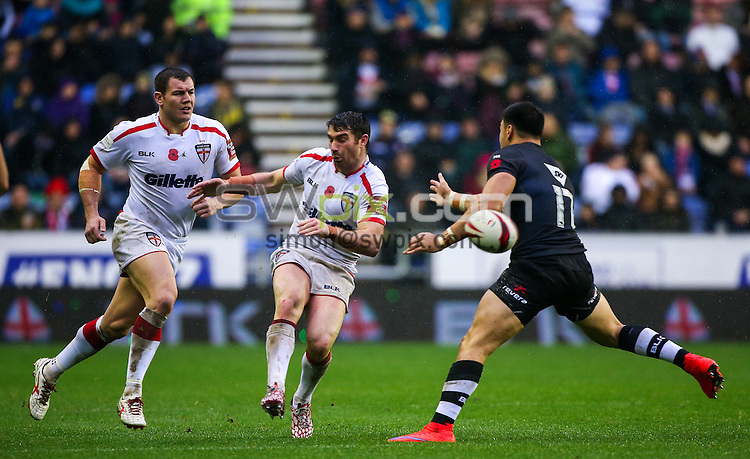 Picture by Alex Whitehead/SWpix.com - 14/11/2015 - Rugby League - England v New Zealand, Third Test - DW Stadium, Wigan, England - England's Matty Smith.