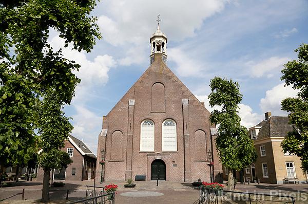 Nederland  Nieuwpoort 2017. De Hervormde Kerk aan de Binnenhaven in Nieuwpoort, Zuid-Holland.  Foto Berlinda van Dam / Hollandse Hoogte