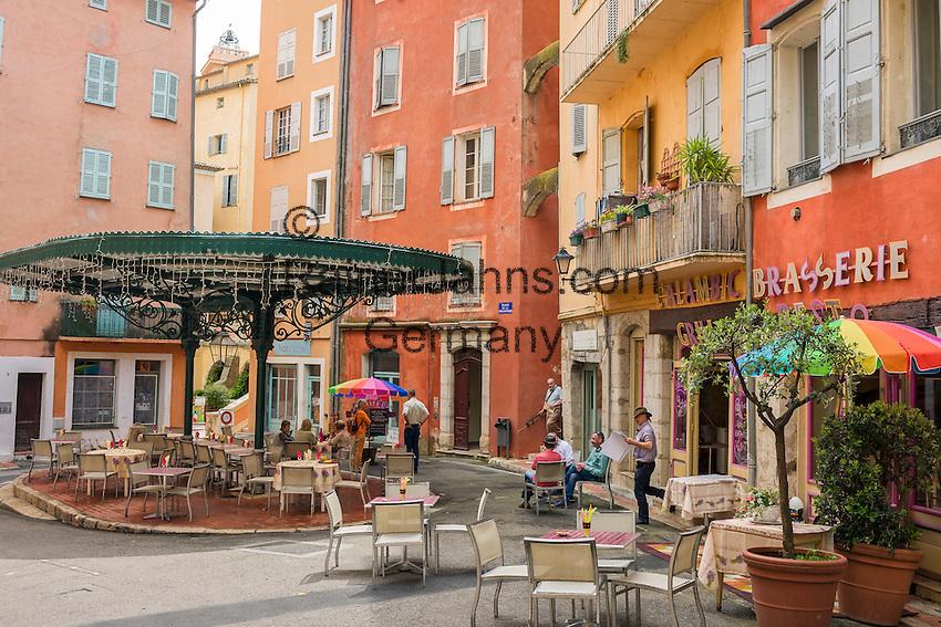 France, Provence-Alpes-Côte d'Azur, Grasse: old town with café at Place de la Poissonnerie | Frankreich, Provence-Alpes-Côte d'Azur, Grasse: Altstadt mit Café am Place de la Poissonnerie