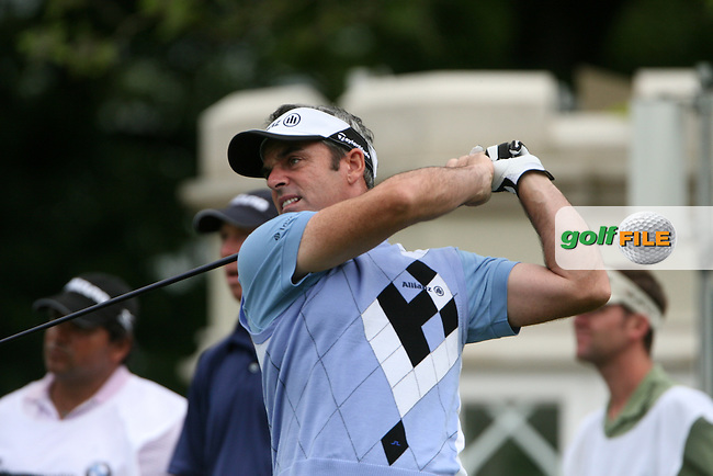 Paul McGinley tees off on the 1st hole during the final round of the 2008 BMW PGA Championship at Wentworth Club, Surrey, England 25th May 2008 (Photo by Eoin Clarke/GOLFFILE)