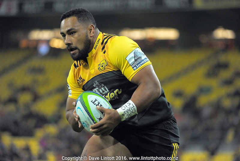 Ngani Laumape scores during the Super Rugby match between the Hurricanes and Southern Kings at Westpac Stadium, Wellington, New Zealand on Friday, 25 March 2016. Photo: Dave Lintott / lintottphoto.co.nz