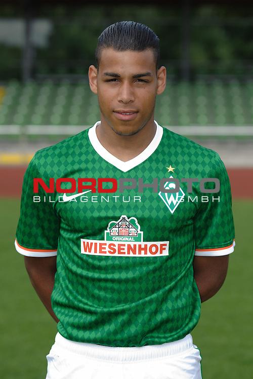 19.07.2013, Platz 11, Bremen, GER, RLN, Mannschaftsfoto Werder Bremen II, im Bild Onel Hernandez (Bremen #24)<br /> <br /> Foto &copy; nph / Frisch