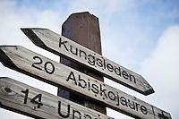 Trail marker at Alesjaure Kungsleden trail, Sweden