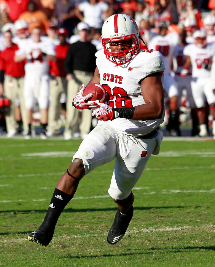 Oct. 22, 2011 - Charlottesville, Virginia - USA; North Carolina State Wolfpack running back Tony Creecy (26) during an NCAA football game against the Virginia Cavaliers at the Scott Stadium. NC State defeated Virginia 28-14. (Credit Image: © Andrew Shurtleff