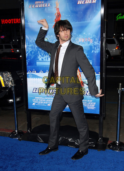 "JON HEDER.Attends The Paramount Pictures L.A. Premiere of ""Blades of Glory"" held at The Graumann's Chinese Theatre in Hollywood, California, USA. .March 28th, 2007.full length grey gray suit hands posing funny gesture .CAP/DVS.©Debbie VanStory/Capital Pictures"