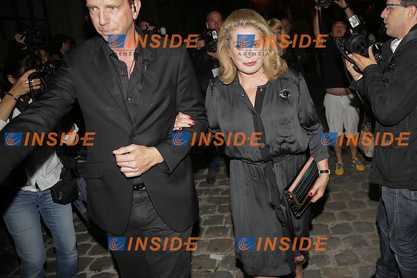 Catherine Deneuve <br /> Parigi Fashion Week Ospiti <br /> Moda Sfilate<br /> Foto Panoramic / Insidefoto