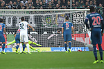 04.11.2018, Borussia Park , Moenchengladbach, GER, 1. FBL,  Borussia Moenchengladbach vs. Fortuna Duesseldorf,<br />  <br /> DFL regulations prohibit any use of photographs as image sequences and/or quasi-video<br /> <br /> im Bild / picture shows: <br /> Elfmetertor durch Thorgan Hazard (Gladbach #10),  re verdeckt Michael Rensing Torhueter (Fortuna Duesseldorf #1),  hat keine Chance <br /> <br /> Foto &copy; nordphoto / Meuter