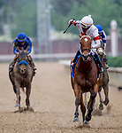 May 4, 2019 : #3 Mia Mischief, ridden by jockey Ricardo Santana, Jr., wins the Humana Distaff on Kentucky Derby Day at Churchill Downs on May 4, 2019 in Louisville, Kentucky. Carolyn Simancik/Eclipse Sportswire/CSM
