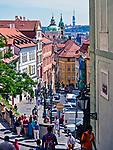 Praga, stolica Czech. 2013-07-23. Widok na stare miasto z Radnickich schodów