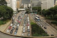 SAO PAULO, SP, 13 MARCO 2013 - TRANSITO EM SAO PAULO - Transito encontra-se intenso e com retencao no sentido zona norte no final da 23 de maio com a entrada do tunel do Anhangabau na regiao central da cidade nesta quarta-feira, 13. (FOTO: LEVY RIBEIRO / BRAZIL PHOTO PRESS)