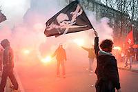 - Milan, national demonstration of the Social Centers against repression and the building speculation of Milan Municipality , which encourages evacuation of squatted buildings<br /> <br /> - manifestazione nazionale dei Centri Sociali  contro la repressione e la speculazione edilizia del Comune di Milano, che incoraggia gli sgomberi degli stabili occupati