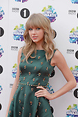 Nov 03, 2013: TAYLOR SWIFT - Radio 1 Teen Awards - Wembley Arena London