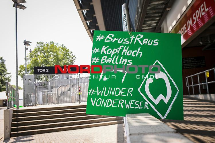 im Bild | picture shows:<br /> Fanbanner / Zuspruch Fans / am Wohninvest Weserstadion,  <br /> <br /> <br /> Sport: nphgm001: Fussball: 1. Bundesliga: Saison 19/20: 34. Spieltag: SV Werder Bremen vs 1.FC Koeln 27.06.2020 <br /> <br /> Foto: Rauch/gumzmedia/nordphoto<br /> <br /> EDITORIAL USE ONLY