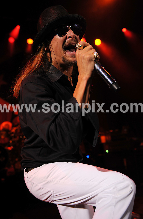 **ALL ROUND PICTURES FROM SOLARPIX.COM**.**WORLDWIDE SYNDICATION RIGHTS**.Kid Rock performs in concert at the Shepherds Bush Empire, London, UK. 11th June 2008..JOB REF: 6613 SSD     DATE: 11_06_2008.**MUST CREDIT SOLARPIX.COM OR DOUBLE FEE WILL BE CHARGED* *UNDER NO CIRCUMSTANCES IS THIS IMAGE TO BE REPRODUCED FOR ANY ONLINE EDITION WITHOUT PRIOR PERMISSION*