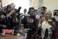 Scuola, la ministra Giannini all'Istituto Agrario Sereni.<br /> Roma, 15 Settembre 2014<br /> Per inaugurare l'anno scolastico la ministra Stefania Giannini sceglie l'istituto tecnico agrario Emilio Sereni dove inaugura il birrificio in cui studenti e detenuti del carcere di Rebibbia producono la birra &quot;vale la pena&quot;.<br /> La Onlus che si occupa del progetto si chiama Semi di Libert&agrave;.<br /> Nella foto la Ministra Stefania Giannini al banco della birra<br /> School, the minister Giannini at Agrarian Institute Sereni. <br /> Rome, 15 September 2014 <br /> To kick off the school year, the minister Stefania Giannini chooses the technical institute agrarian Emilio Sereni where he inaugurated the brewery where students and prisoners of Rebibbia prison produce beer &quot;worth it&quot;. <br /> The non-profit organization that takes care of the project is called Seeds of Liberty.