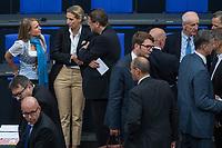 Konstituierende Sitzung des Deutschen Bundestag am Dienstag den 24. Oktober 2017.<br /> Im Bild: Die Abgeordneten muessen in einen zweiten Wahlgang fuer die Wahl eines stellv. Bundestagspraesident, da der Kandidat der AfD, Albrecht Glaser, nicht die erforderliche Mehrheit bekommen hat.<br /> Bildmitte: Alice Weidel, AfD-Fraktionsvorsitzende.<br /> 24.10.2017, Berlin<br /> Copyright: Christian-Ditsch.de<br /> [Inhaltsveraendernde Manipulation des Fotos nur nach ausdruecklicher Genehmigung des Fotografen. Vereinbarungen ueber Abtretung von Persoenlichkeitsrechten/Model Release der abgebildeten Person/Personen liegen nicht vor. NO MODEL RELEASE! Nur fuer Redaktionelle Zwecke. Don't publish without copyright Christian-Ditsch.de, Veroeffentlichung nur mit Fotografennennung, sowie gegen Honorar, MwSt. und Beleg. Konto: I N G - D i B a, IBAN DE58500105175400192269, BIC INGDDEFFXXX, Kontakt: post@christian-ditsch.de<br /> Bei der Bearbeitung der Dateiinformationen darf die Urheberkennzeichnung in den EXIF- und  IPTC-Daten nicht entfernt werden, diese sind in digitalen Medien nach §95c UrhG rechtlich geschuetzt. Der Urhebervermerk wird gemaess §13 UrhG verlangt.]