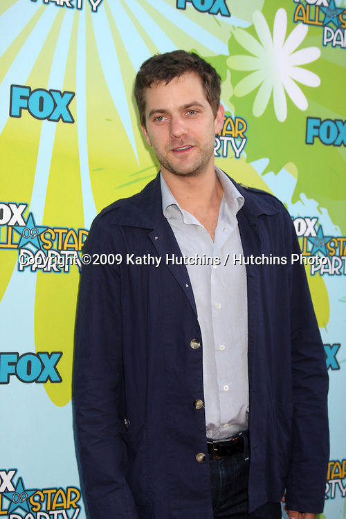 Joshua Jackson arriving at the FOX TV TCA Party at The Langham Huntington Hotel & Spa in Pasadena, CA  on August 9, 2009 .©2009 Kathy Hutchins / Hutchins Photo..