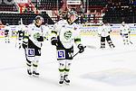 S&ouml;dert&auml;lje 2014-09-22 Ishockey Hockeyallsvenskan S&ouml;dert&auml;lje SK - IF Bj&ouml;rkl&ouml;ven :  <br /> Bj&ouml;rkl&ouml;vens Emil Lundberg deppar med lagkamrater efter matchen och f&ouml;rlusten p&aring; &ouml;vertid mot S&ouml;dert&auml;lje<br /> (Foto: Kenta J&ouml;nsson) Nyckelord: Axa Sports Center Hockey Ishockey S&ouml;dert&auml;lje SK SSK Bj&ouml;rkl&ouml;ven L&ouml;ven IFB depp besviken besvikelse sorg ledsen deppig nedst&auml;md uppgiven sad disappointment disappointed dejected