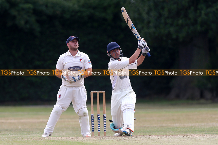 Upminster CC (batting) vs Hornchurch CC, Shepherd Neame Essex League Cricket at Upminster Park on 8th July 2017