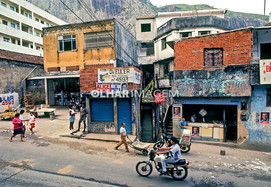Estrada da Gávea, favela da Rocinha, Rio de Janeiro. 1988. Foto de Juca Martins.