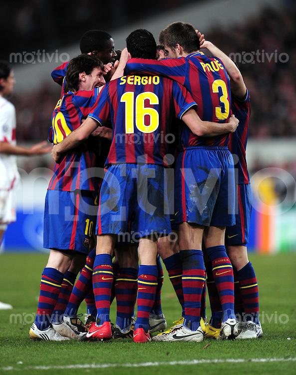 FUSSBALL  International  Champions   League  Hinspiel   SAISON 2009/2010    VfB Stuttgart -  FC Barcelona      23.02.2010 (v. li., JUBEL Barca)   Lionel Messi , Sergio Busquets  , Gerard Pique Bernabeu
