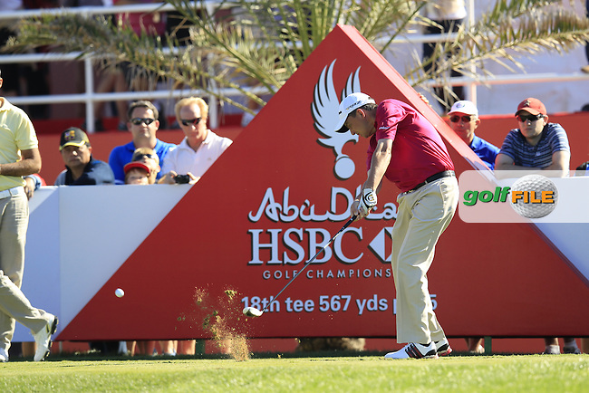 Peter Lawrie (IRL) tees off the 18th tee during Friday's Round 2 of the Abu Dhabi HSBC Golf Championship at Abu Dhabi Golf Club, 18th January 2013 (Photo Eoin Clarke/www.golffile.ie)