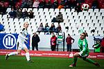 16.03.2019, Stadion Essen, Essen, GER, AFBL, SGS Essen vs TSG 1899 Hoffenheim, DFL REGULATIONS PROHIBIT ANY USE OF PHOTOGRAPHS AS IMAGE SEQUENCES AND/OR QUASI-VIDEO<br /> <br /> im Bild | picture shows:<br /> Torschuss Lea Schueller (SGS Essen #24), <br /> <br /> Foto &copy; nordphoto / Rauch
