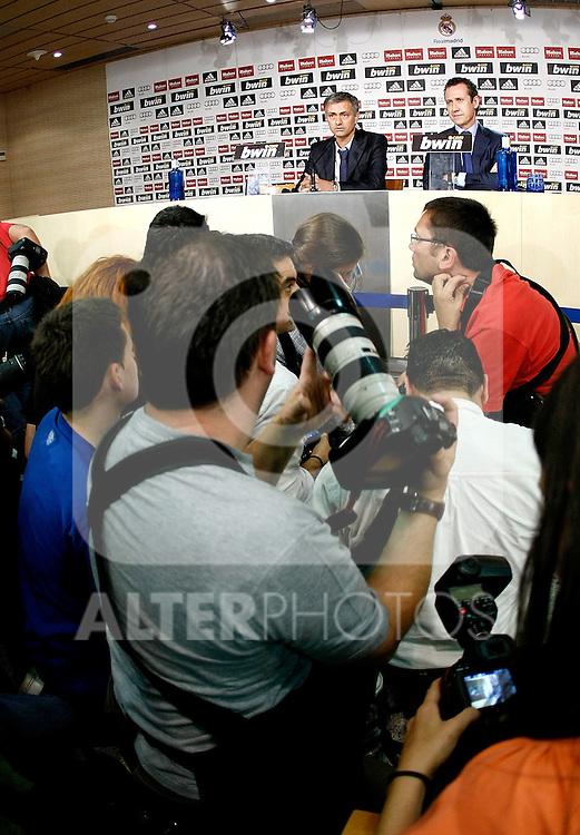 Real Madrid's new coach Jose Mourinho and General Manager Jorge Valdano during his presentation. May 31, 2010. (ALTERPHOTOS/Alvaro Hernandez)