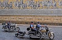 Motoqueiros na cidade de Dresden. Alemanha. 2011. Foto de Juca Martins.