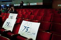 Varese: gente partecipa ad incontro organizzato dalla Lega Nord Varese per sostenere Roberto Maroni. all'incontro ha partecipato poca gente