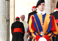 Papa Francesco saluta alcuni cardinali al termine dell'udienza generale del mercoledi' in Piazza San Pietro, Citta' del Vaticano, 15 ottobre 2014.<br /> Pope Francis greets some cardinals at the end of his weekly general audience in St. Peter's Square at the Vatican, 15 October 2014.<br /> UPDATE IMAGES PRESS/Isabella Bonotto<br /> <br /> STRICTLY ONLY FOR EDITORIAL USE