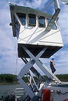 """- pusher of """"Fluviopadana"""" company  in navigation on the Po river, raising bridge....- spintore della compagnia """"Fluviopadana""""  in navigazione sul fiume Po, plancia elevabile"""