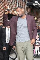 June 26, 2012 LeBron James of the NBA Champion Miami Heat at Late Show with David Letterman in New York City. © RW/MediaPunch Inc. *NORTEPHOTO*<br />  **SOLO*VENTA*EN*MEXICO** **CREDITO*OBLIGATORIO** *No*Venta*A*Terceros* *No*Sale*So*third* *** No Se Permite Hacer Archivo** *No*Sale*So*third*©Imagenes con derechos de autor,©todos reservados. El uso de las imagenes está sujeta de pago a nortephoto.com El uso no autorizado de esta imagen en cualquier materia está sujeta a una pena de tasa de 2 veces a la normal. Para más información: nortephoto@gmail.com* nortephoto.com.