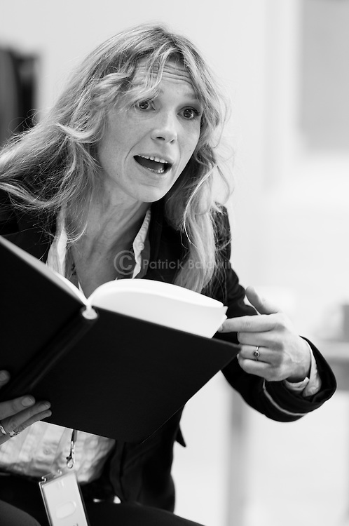 """King Lear"" rehearsed reading rehearsals. Old Vic Theatre. Director: Jonathan Miller. Honeysuckle Weeks."