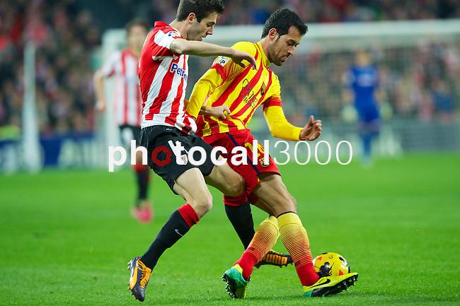 BILBAO.ESPAÑA.FÚTBOL.<br /> Partido de La Liga BBVA entre el Ath.Club y el Barça , a 01/12/2013.<br /> En la imagen :<br /> 14Markel Susaeta (Athletic Bilbao)<br /> 16Sergio Busquets (FC Barcelona)