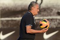 SÃO PAULO,SP, 13.09.2013 TREINO/CORINTHIANS/SP - Tite durante treino do Corinthians no CT Joaquim Grava na zona leste de Sao Paulo. (Foto: Alan Morici /Brazil Photo Press).