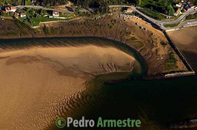 RIA DE VILLAVICIOSA-MISIEGO-ASTURIAS. 2008-04-15. (C) Pedro ARMESTRE