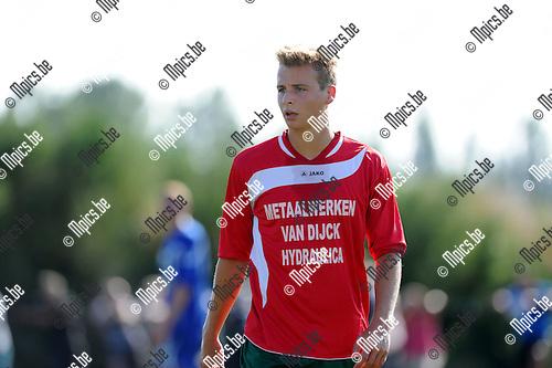 2012-08-14 / Voetbal / seizoen 2012-2013 / KFCE Zoersel / Thomas Smits..Foto: Mpics.be
