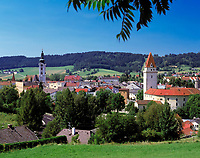 Oesterreich, Oberoesterreich, Muehlviertel, Freistadt: mit Schloss und Pfarrkirche St. Katharina | Austria, Upper Austria, Muehlviertel, Freistadt: with castle and parish church St. Katharina