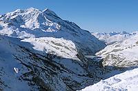 Europe/France/73/Savoie/Val d Isere: Massif du Solaise Parapente et vue sur la station et la vallée du Manchet - Ecole de Parapente d Eric Wyss seule école de parapente hivernale