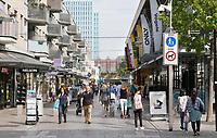 Nederland  Almere  2017.  Straatbeeld Almere centrum.    Foto Berlinda van Dam / Hollandse Hoogte