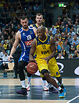 18.12.2019, EWE Arena, Oldenburg, GER, EuroCup 7Days, EWE Baskets Oldenburg vs Buducnost VOLI Podgorica, im Bild<br /> Rickey PAULDING (EWE Baskets Oldenburg #23 ) Zoran NIKOLIC (Buducnost VOLI Podgorica #19 ) Rasid MAHALBASIC (EWE Baskets Oldenburg #24 )<br /> Foto © nordphoto / Rojahn