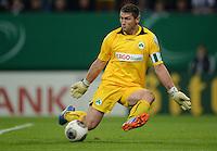 FUSSBALL   DFB POKAL   SAISON 2013/2014   2. HAUPTRUNDE Hamburger SV - SpVgg Greuther Fuerth                 24.09.2013 Torwart Wolfgang Hesl (Fuerth)