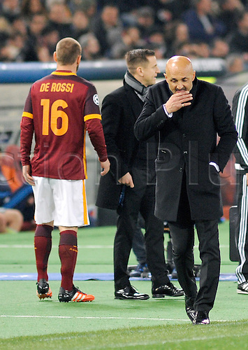 17.02.2016. Stadio Olimpico, Rome, Italy. UEFA Champions League, Round of 16 - first leg, AS Roma versus Real Madrid. The coach of Roma Luciano Spalletti and Daniele De Rossi at game end
