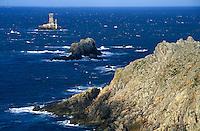 Europe/France/Bretagne/29/Finistère/Pointe du Raz: Phare de la vieille et côtes rocheuses