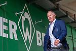 01.09.2019, wohninvest WESERSTADION, Bremen, GER, 1.FBL, Werder Bremen vs FC Augsburg<br /> <br /> DFL REGULATIONS PROHIBIT ANY USE OF PHOTOGRAPHS AS IMAGE SEQUENCES AND/OR QUASI-VIDEO.<br /> <br /> im Bild / picture shows<br /> Stefan Reuter (Geschaeftsfuehrer Sport FC Augsburg) bei Ankunft am Stadion, <br /> <br /> Foto © nordphoto / Ewert
